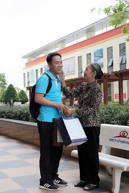 Xuc dong voi bo anh 'Me oi con se ve' cua PGS – TS Huynh Van Son - Anh 5