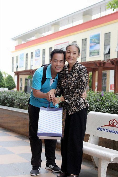 Xuc dong voi bo anh 'Me oi con se ve' cua PGS – TS Huynh Van Son - Anh 6