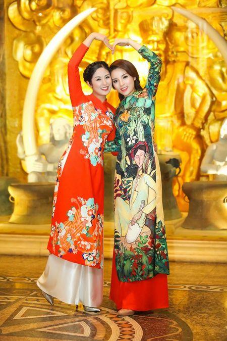 Ngoc Han, Ky Duyen 'don tet' trong bep - Anh 10