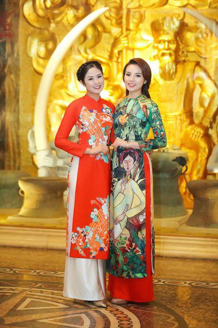 Ngoc Han, Ky Duyen 'don tet' trong bep - Anh 11
