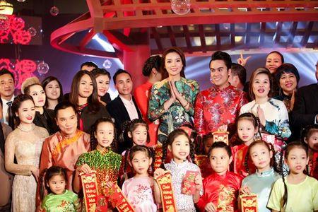 Ngoc Han, Ky Duyen 'don tet' trong bep - Anh 8