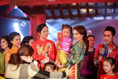 Ngoc Han, Ky Duyen 'don tet' trong bep - Anh 9