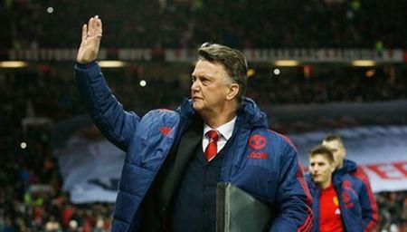 Van Gaal: 'Tran thang Stoke co the la buoc ngoat voi M.U' - Anh 1