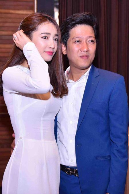 Nha Phuong dien ao dai e ap ben Truong Giang - Anh 3