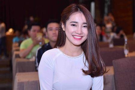 Nha Phuong dien ao dai e ap ben Truong Giang - Anh 7