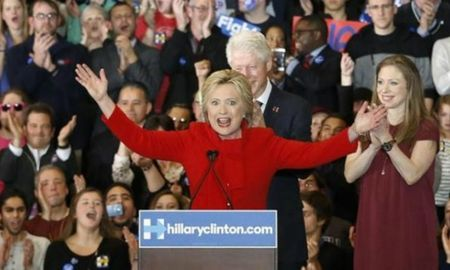Ba Clinton thang may man tai Iowa, kho khan cho doi tai New Hampshire - Anh 1