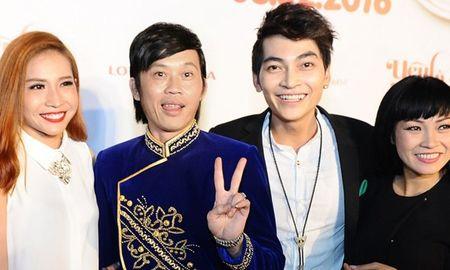 Hoai Linh den chuc mung Khuong Ngoc ra mat phim dau tay - Anh 1
