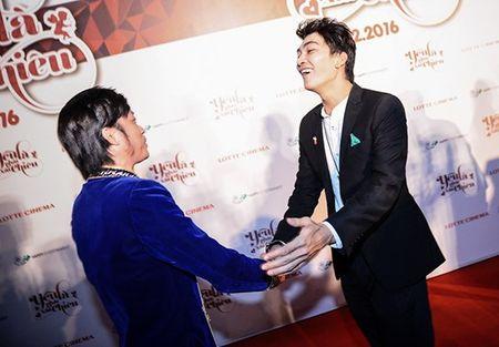 Hoai Linh den chuc mung Khuong Ngoc ra mat phim dau tay - Anh 2