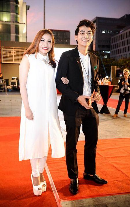 Hoai Linh den chuc mung Khuong Ngoc ra mat phim dau tay - Anh 9
