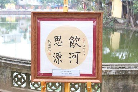 Dai su My hoc viet thu phap tai Hoi chu Xuan Binh Than - Anh 18