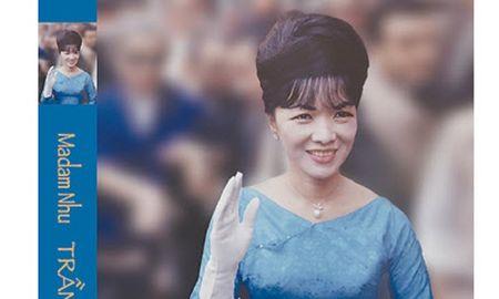 Sach ve cuoc doi ba Tran Le Xuan phat hanh o Viet Nam - Anh 1