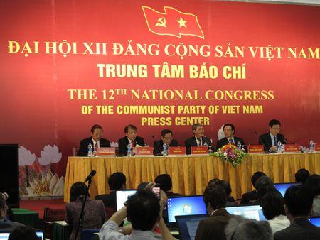 36 don vi nhan bang khen ve thanh tich tuyen truyen Dai hoi Dang - Anh 1