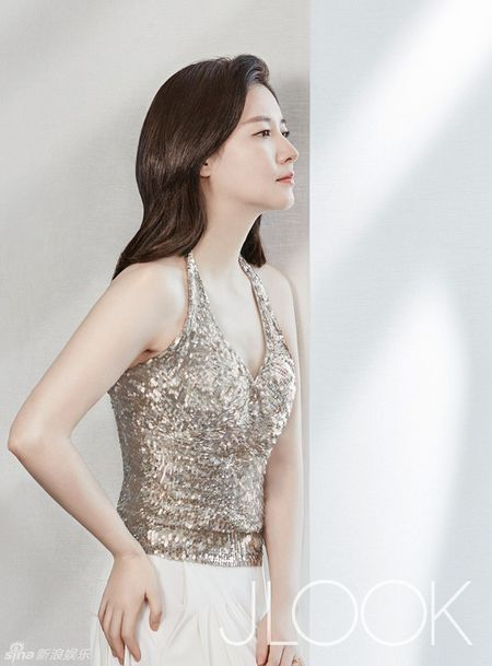 Lee Young Ae tre trung o tuoi 45 - Anh 6