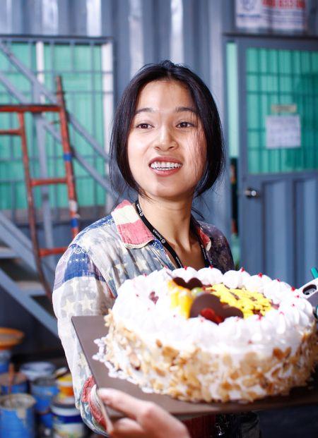 Nhung Kate mung sinh nhat Tri Nguyen tren phim truong - Anh 2