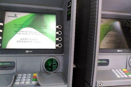 Hang loat ATM nghi Tet som, vao ngan hang rut tien bi tinh phi - Anh 2