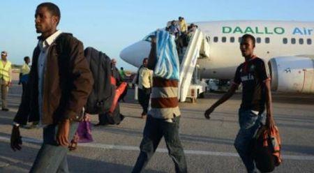 'Nguoi hung' cuu chiec may bay Somalia phat no giua khong trung noi gi? - Anh 4