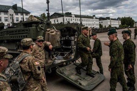 My sam vu khi hang nang chong Moscow; trung phat them 5 quan chuc Nga - Anh 1