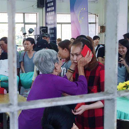 Pham Huong bi nghi dien, My Tam tinh cam that long - Anh 2