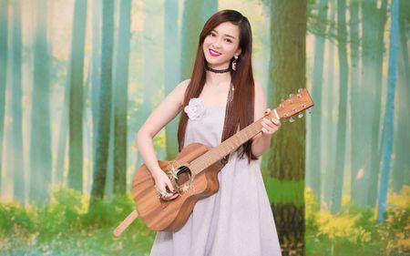 Thuy Van - Dinh Huong khoe sac khi thu hinh show cuoi nam - Anh 7