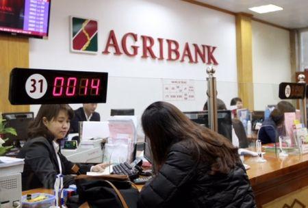 Agribank dang vuot len chinh minh - Anh 1