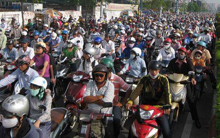 Nhung van nan lon nao dang thach thuc tan Bi thu Thanh uy TPHCM Dinh La Thang? - Anh 3
