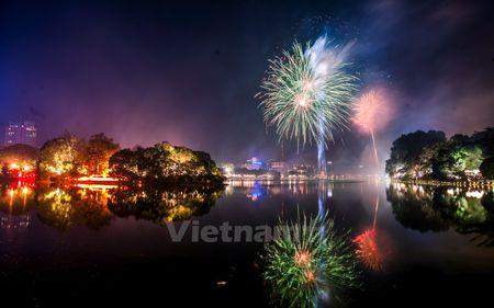 Ha Noi: Man phao hoa man nhan chao don xuan Binh Than 2016 - Anh 4