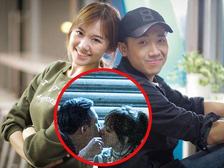 Clip Tran Thanh xin loi khan gia vi nu hon voi Hari Won - Anh 2