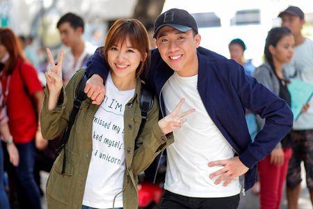 Clip Tran Thanh xin loi khan gia vi nu hon voi Hari Won - Anh 4