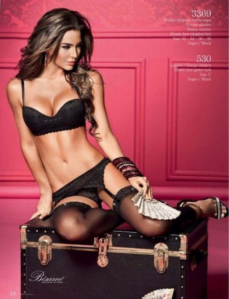 Sieu mau Natalia Velez 'ruc lua' trong bo do noi y - Anh 3