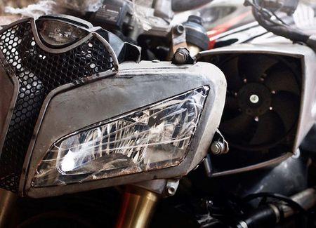 Tuyet pham Honda CBR600RR do Streetfighter tai Viet Nam - Anh 2
