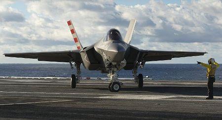 "My ""tien mat tat mang"" voi chien dau co F-35 moi - Anh 1"