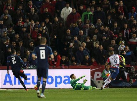 Modric mang ve 3 diem cho Real Madrid - Anh 3