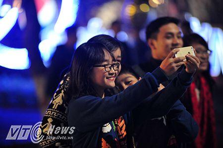 Phao hoa ruc sang troi ca nuoc don xuan Binh Than 2016 - Anh 3