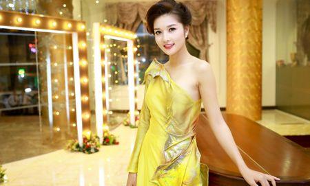 Hoa hau cac dan toc Viet Nam Trieu Thi Ha: Hanh phuc do minh kien tao nen - Anh 2