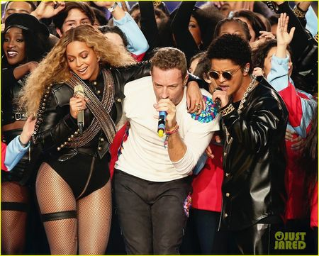 Beyonce, Coldplay, Bruno Mars lam rung chuyen Super Bowl Halftime Show 2016 - Anh 3