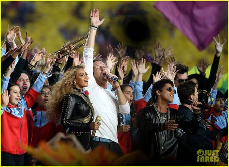 Beyonce, Coldplay, Bruno Mars lam rung chuyen Super Bowl Halftime Show 2016 - Anh 6