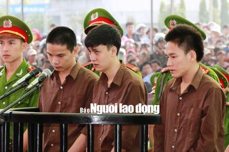 Vu tham sat o Binh Phuoc: An tu chua phai la het! - Anh 2