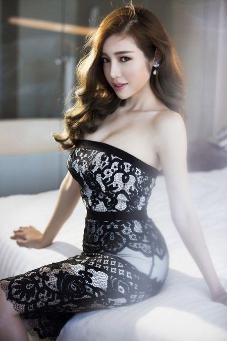 Elly Tran, Jennifer Pham – Ba me 2 con 'van nguoi me' - Anh 1