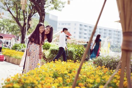 Dinh Y Nhung cung con tron dao dien Luu Huynh di choi Tet - Anh 4