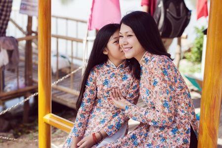 Dinh Y Nhung cung con tron dao dien Luu Huynh di choi Tet - Anh 6