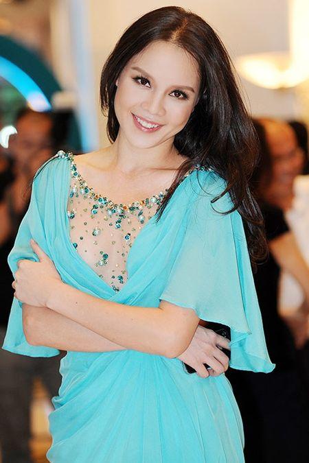 A hau Ngoc Oanh - My nhan tuoi Than xinh dep, tai nang - Anh 1