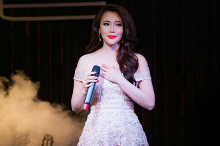 Ho Quynh Huong - my nhan tuoi Than noi tieng showbiz Viet - Anh 1