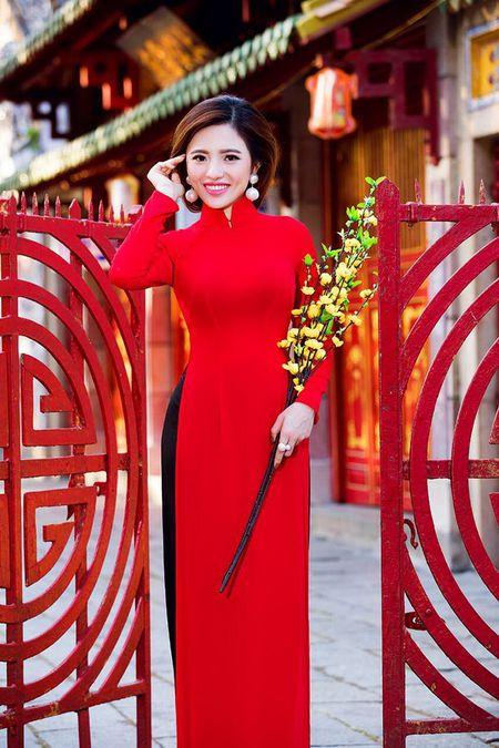 Lan Anh dien ao dai sac do le chua dau nam - Anh 7