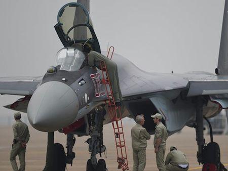 Trung Quoc mua tiem kich Su-35 cua Nga de lam gi? - Anh 1