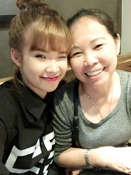 Khoi My: 'Me khong cho di dien Tet' - Anh 3