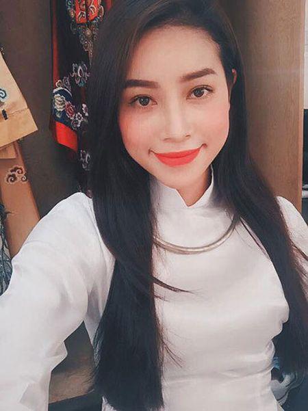 Hoa hau Pham Huong, Thu Thao goi y trang diem rang ro ngay Tet - Anh 2