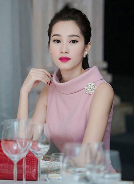 Hoa hau Pham Huong, Thu Thao goi y trang diem rang ro ngay Tet - Anh 9
