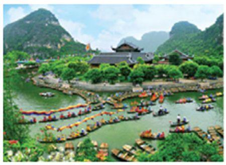 Xuan ve tren non nuoc Trang An - Anh 4