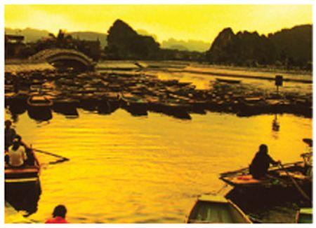 Xuan ve tren non nuoc Trang An - Anh 6