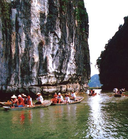 Xuan ve tren non nuoc Trang An - Anh 8